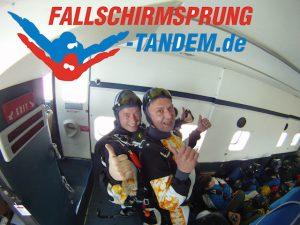 Tandem Erlebnis mit dem Fallschirm