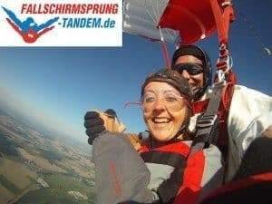 Fallschirmspringen als Tandem Sprunggast verschenken