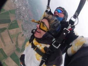 Tandemsprung Fürth Kundin Fallschirmspringen Tandemspringen