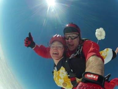 Fallschirmspringen Geschenkidee Tandemsprung für Mann und Frau