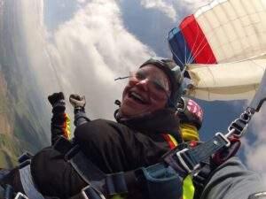 Fallschirmspringen Kundin München Tandemsprung