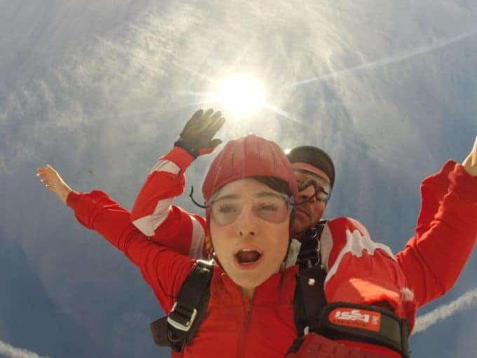 München Tandemsprung Kundin Fallschirmspringen Geschenk