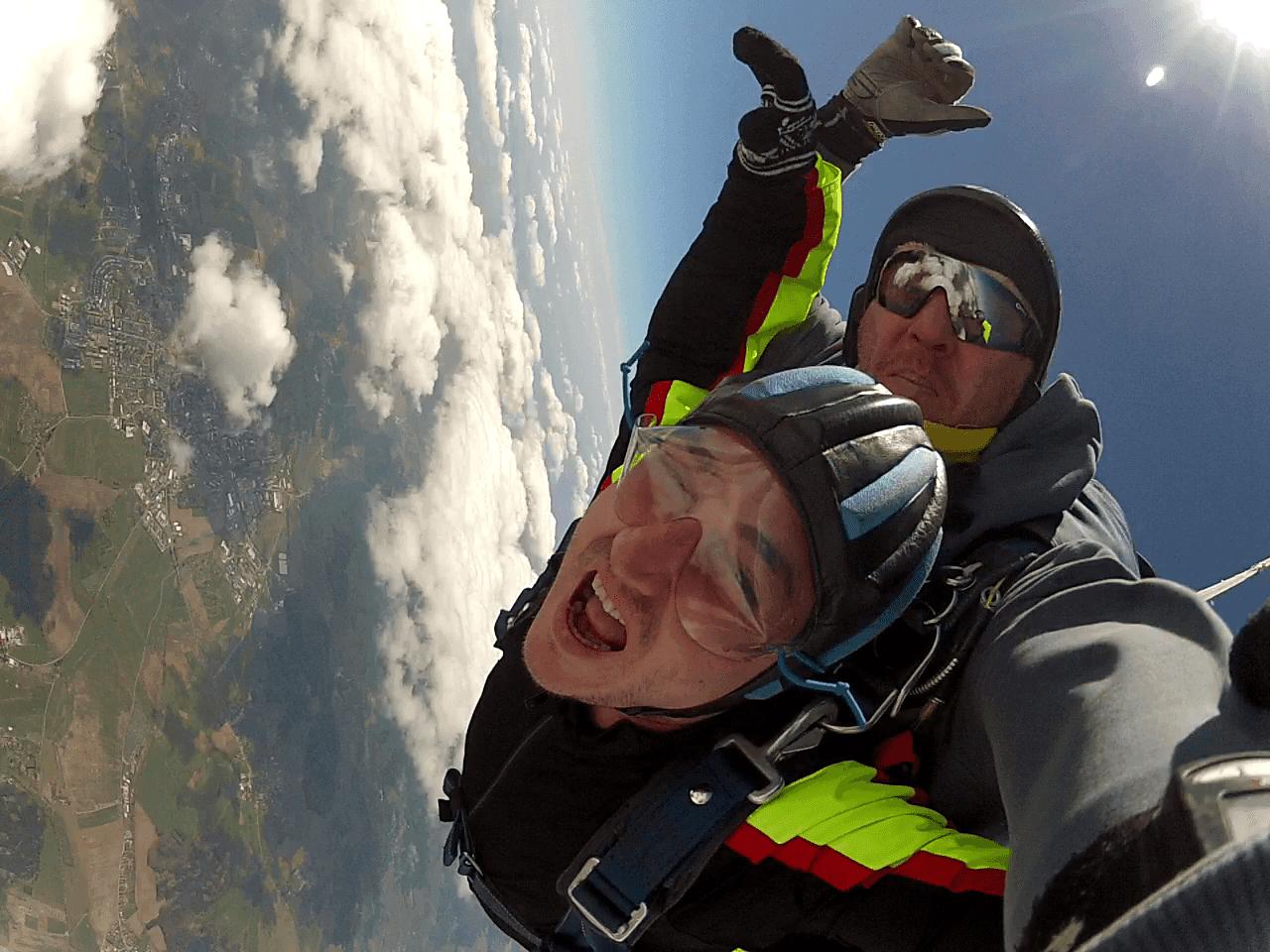 Fallschirmspringen Regenstauf Kunden Tandemsprung