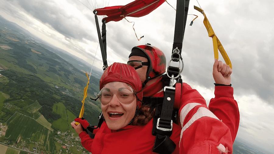 Tandemspringen Bischofswiesen Kundin aus 4300 Meter