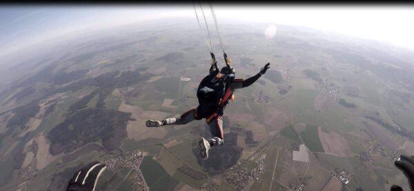 Fallschirmspringer Schüler Fallschirmöffnung AFF