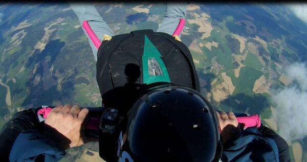 Freifall Position Schüler AFF