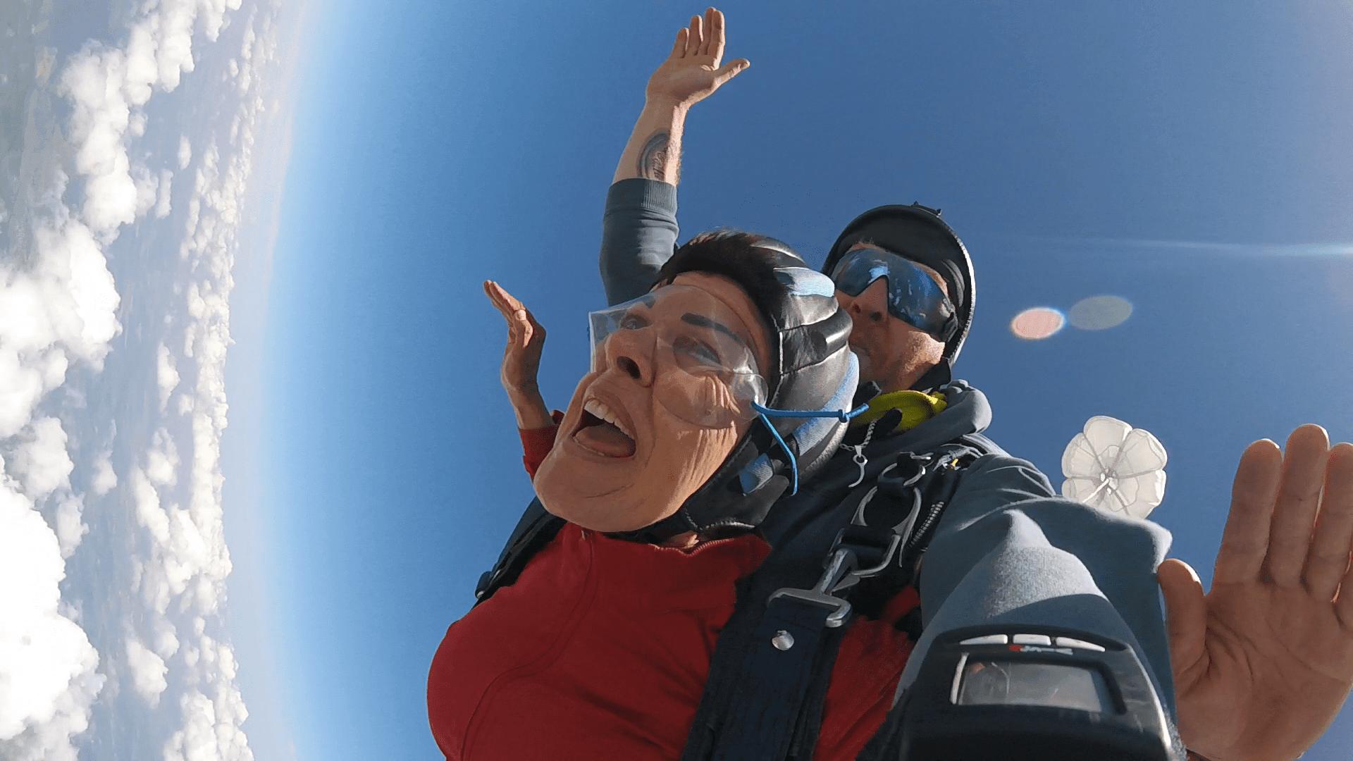 Freifall Geschwindigkeit 200 km/h Tandemspringen