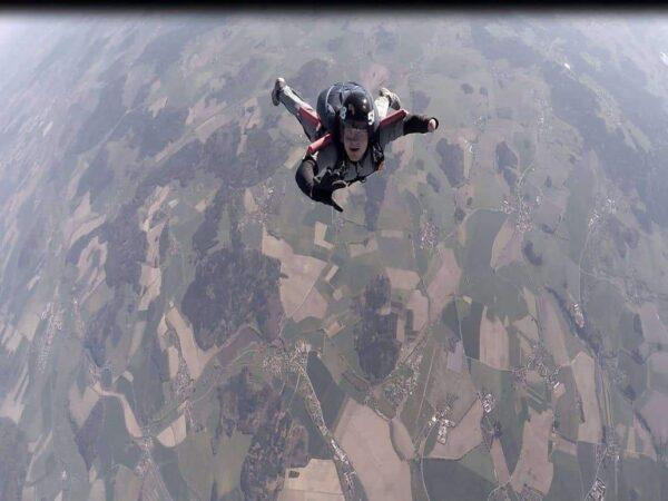 AFF Hohlkreuz Haltung Fallschirmspringen