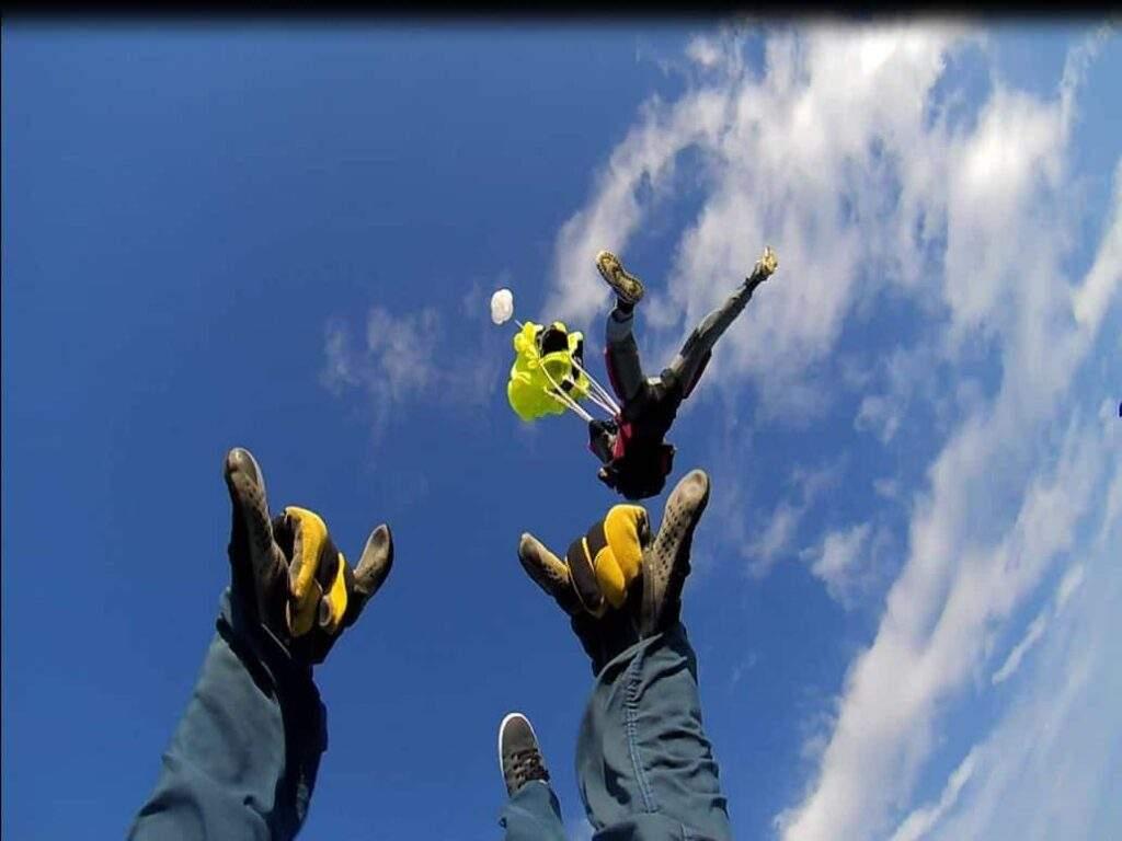 Fallschirmspringer Skydiver AFF Ausbildung