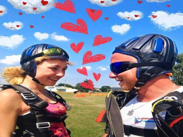 Fallschirmspringen Geschenk Valentinstag Gutschein