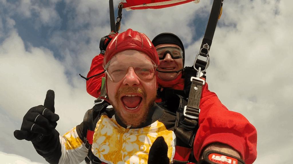Fallschirmspringen Radfeld in Tirol als Tandemsprung Gast in Österreich