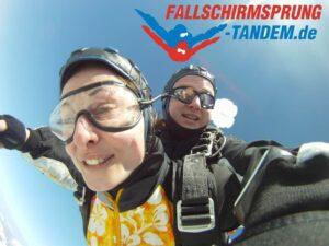 Tandem Fallschirm springen Österreich als Geschenk Gutschein