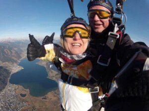 Fallschirmspringen in Österreich als Tandemsprung Geschenk Gutschein