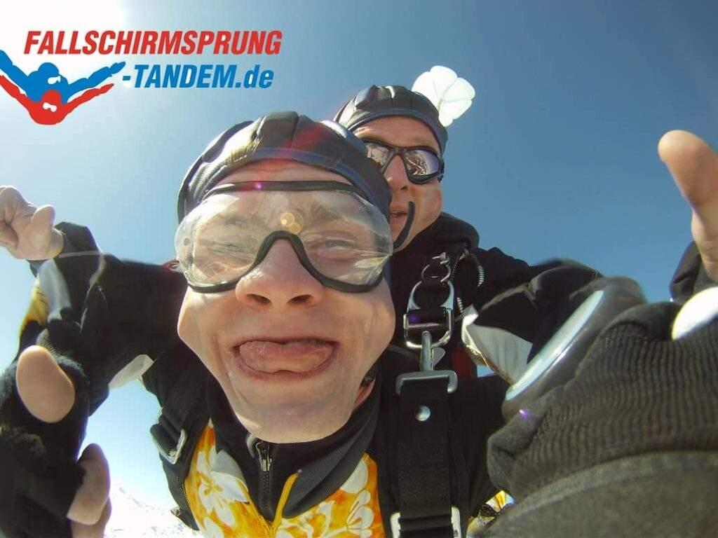 Hessen Tandemsprung Abenteuer Geschenk Fallschirmspringen Kassel Candel