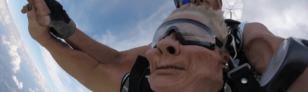 Gesicht bei Tandemsprung Bild lustig